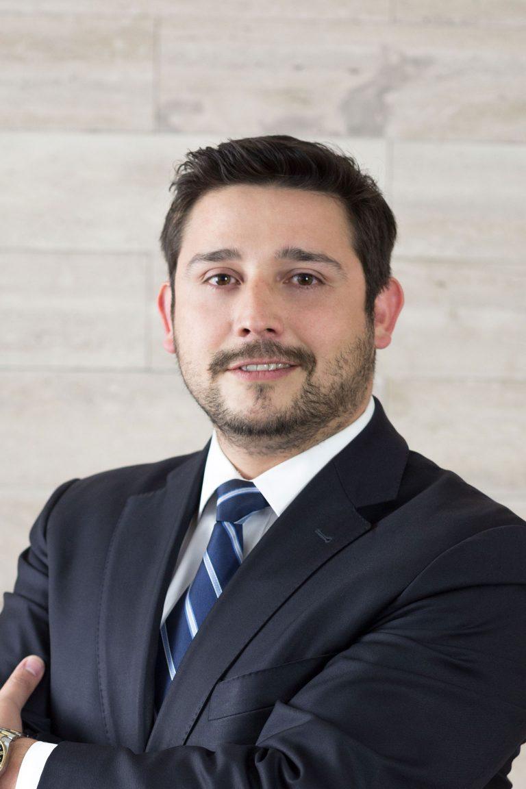 Italo León V.