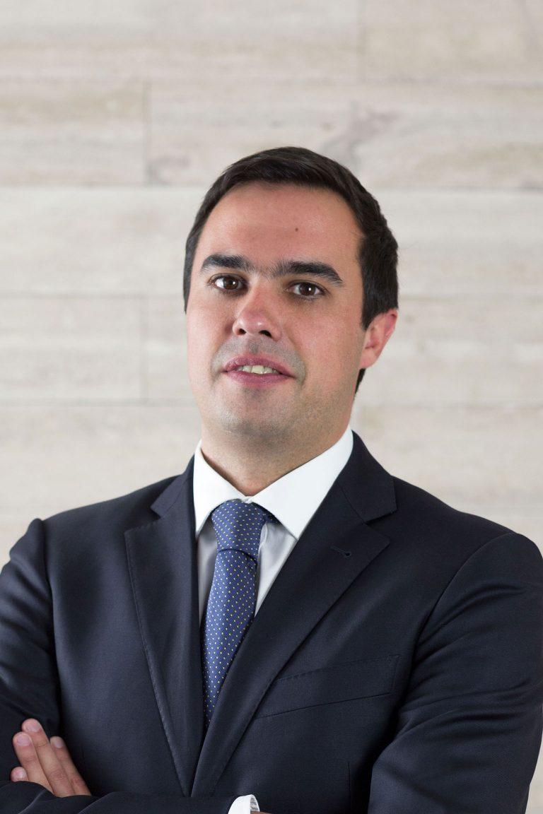 Roberto Grant G.